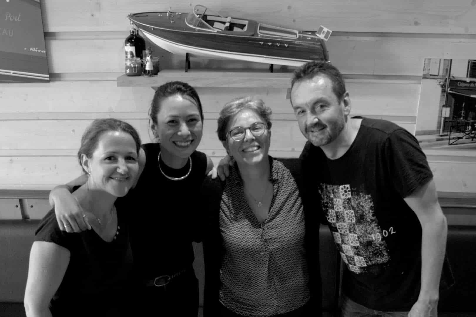 equipe de la creperie du port de plaisance de concarneau finistere - Accueil